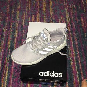 adidas Shoes - Nib Adidas sneakers